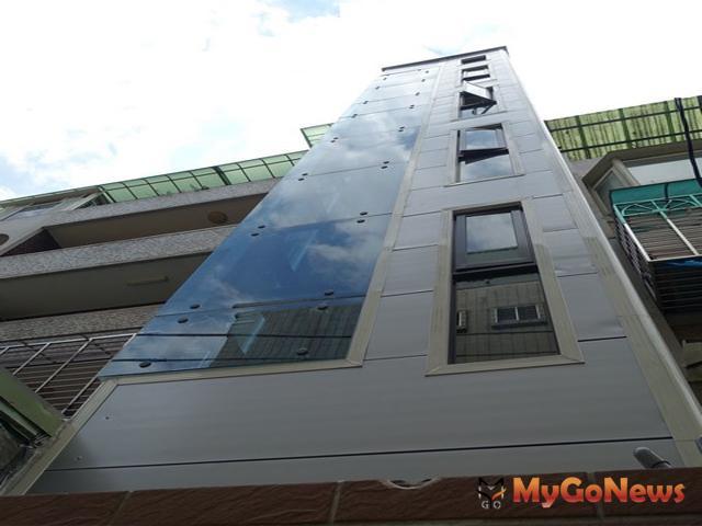 第一例!老舊公寓全新電梯,完工啟用皆大歡喜(圖:新北市政府)