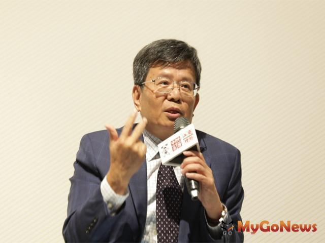 宏匯集團總裁黃坤泰打造新莊副都心「商場、飯店、辦公」3大建築,以「回饋新北、帶動升級、榮耀新莊」的態度與新北市府合作