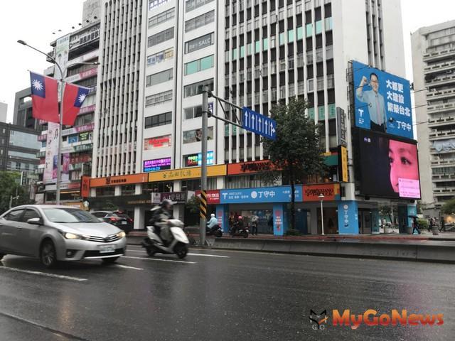 二樓新店王「月租百萬」高於三年前