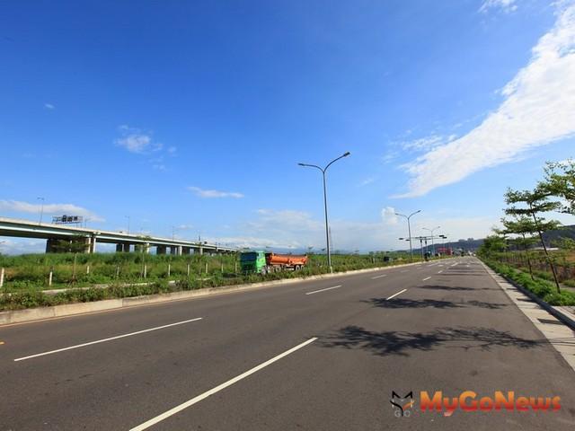 高雄市政府預計2013年4月中旬完成楠梓區海專路從加昌路至德民路道路路面刨鋪。(示意圖)