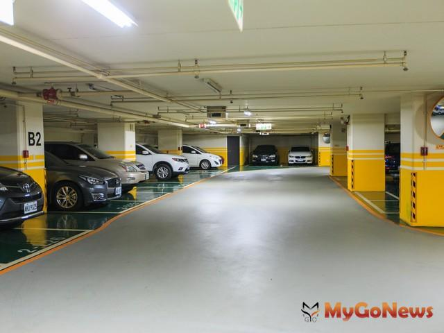 區分所有建物共同使用之停車位登記編號後調換位置,如權利範圍不變,免申報繳納契稅