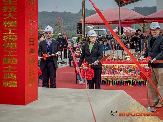 新竹生醫園區第二生技大樓動土,總統期勉台灣醫藥產業挑戰下一個高峰(圖:總統府)