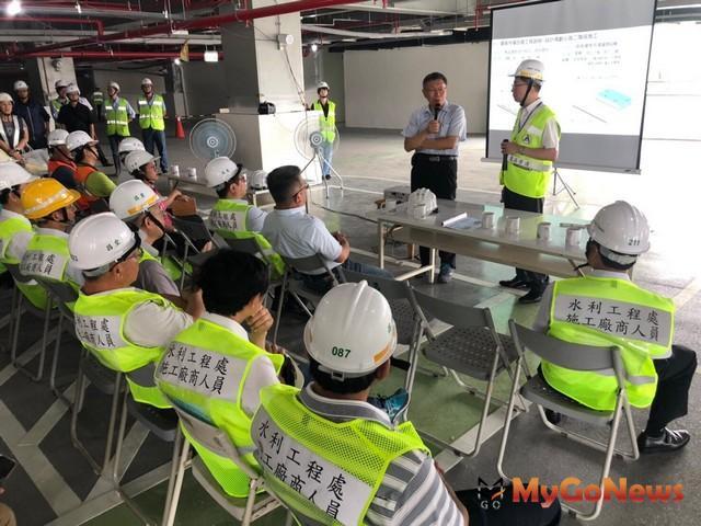 柯文哲關心環南市場改建工程,現場訪查了解未來營運模式(圖:台北市政府)