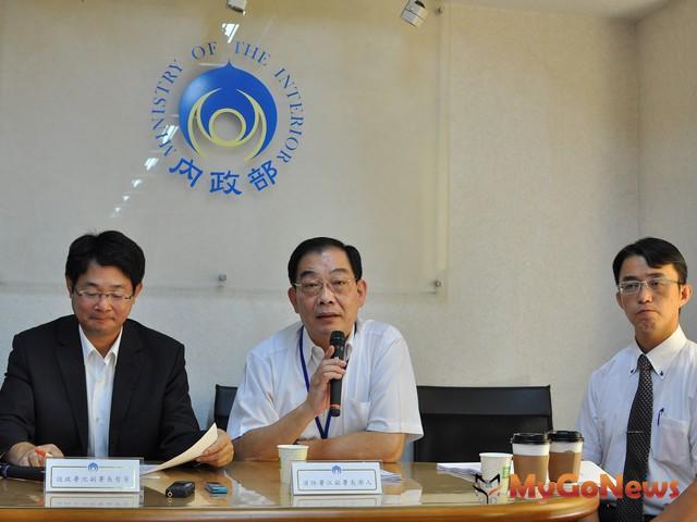 內政部:使用瓦斯要通風,消防署副署長江濟人說明「防範一氧化碳中毒方法」(圖:內政部)