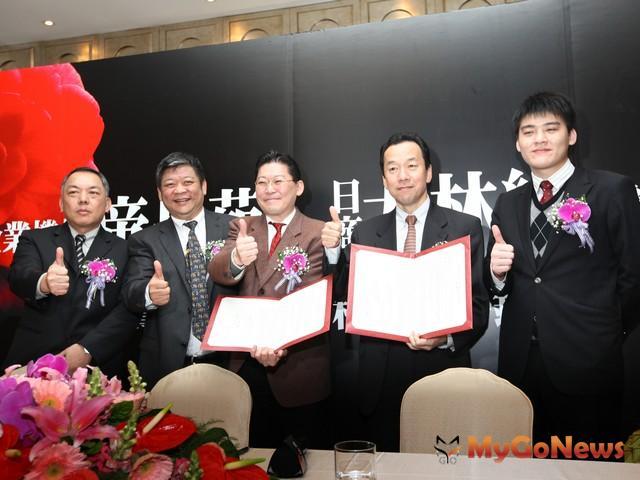 房市一片不景氣中, 以投資興建「仁愛帝寶」帶動台灣豪宅市場的宏泰機構再度傳出佳績。