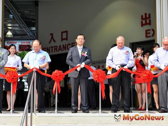 COSTCO(好市多)桃園店2012年8月30日開幕,該店位於桃園蘆竹。(圖片提供:桃園縣政府)