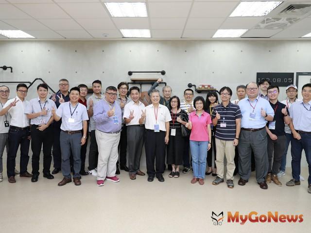 新北BIM建築揚名國際,新加坡團隊參訪樹林藝文大樓(圖:新北市政府) MyGoNews房地產新聞 區域情報