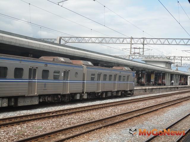 台鐵接駁車受歡迎,基隆安樂區再增加台鐵接駁公車一條路線。