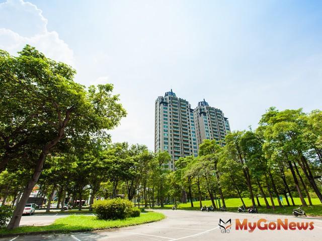 高雄市府打鐵趁熱的將於2012年9月12日辦理今年第3季開發區土地標售,計15標16筆優質建地。