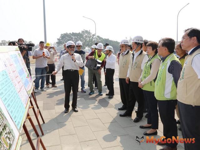 賴清德視察平實營區市地重劃工程,預計2017年7月完工,帶動東區、永康區發展(圖:台南市政府)