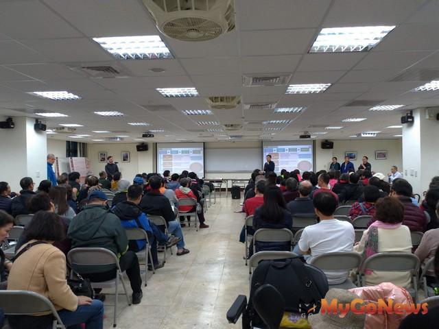 台北市議會通過大龍社區土地使用案,7月底竣工,保障住戶權益(圖:台北市政府)
