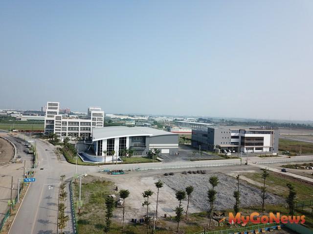 大發基地區內3家標竿企業(如圖所示)陸續完成建廠啟用