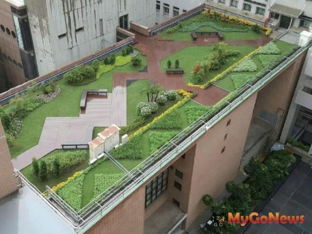 打造台南永續綠色城市,加速綠能屋頂推廣與設置,共同賺進綠金(示意圖) MyGoNews房地產新聞 區域情報