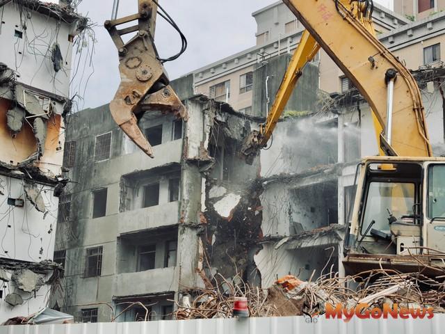 房屋拆除重建期間應申報停止課徵房屋稅、地價稅仍可繼續適用自用住宅用地稅率
