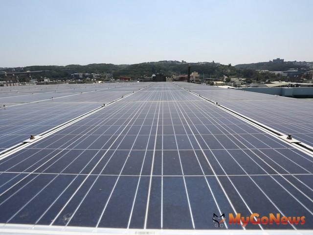 建構綠能宜居城市,違建合法轉光電再添一例