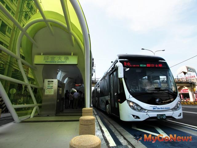 捷運藍線交通部通過,林佳龍:廢除未達標準BRT,改推優化公車最關鍵