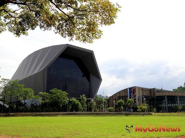 中和運動中心今開幕 全市唯一直排輪兼曲棍球場(圖:新北市政府)