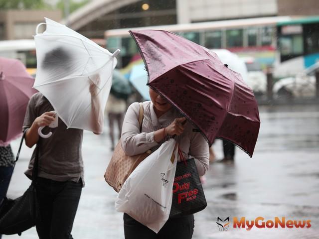 颱風發生期間多在每年的6月到11月,民眾千萬不可掉以輕心。