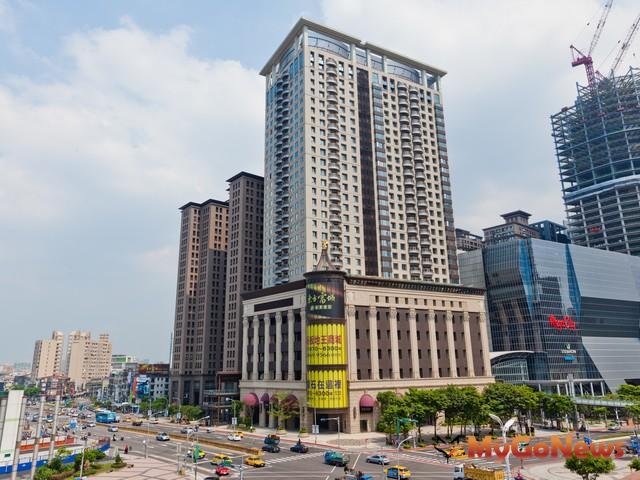 新北市房市2012年9月份買賣移轉棟數,新北市移轉減少173棟,與8月相比,小衰3.2%。