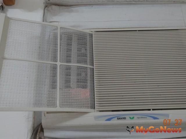 要定期清洗冷氣濾網