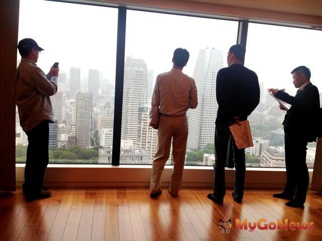 赴東京當地實際看屋可幫助了解自己對購屋條件的需求,日本信義服務人員將陪同進行說明及翻譯
