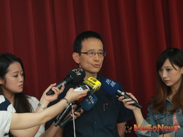 台北市地政局長李得全表示,北市不動產說明書雲端「一次搞定」