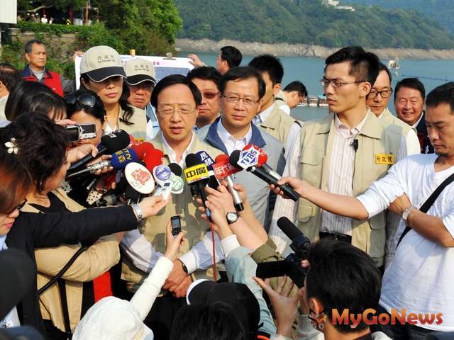 行政院長江宜樺2013年3月20日也由縣長吳志揚陪同下,前往石門水庫視察。