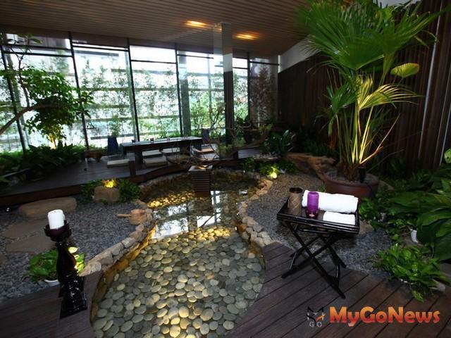 基地周邊為礁溪溫泉業聚集區,根據統計約有90家溫泉業者以及旅館,總客房數約2500間。 MyGoNews房地產新聞 市場快訊