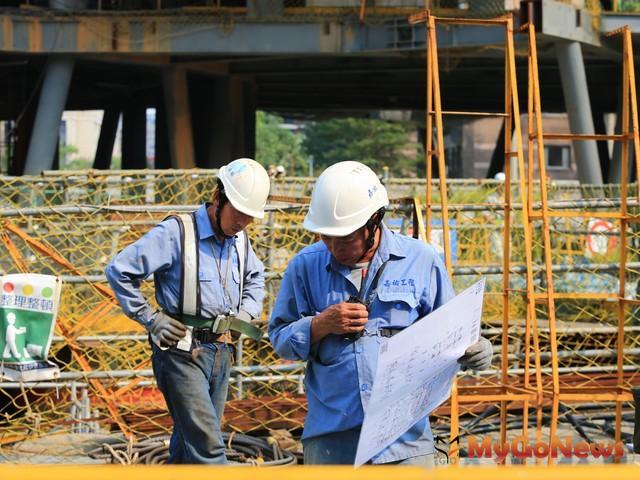 為因應農曆過年,桃園市府新建工程處已上網公告4標案延長等標期,以確保標案品質