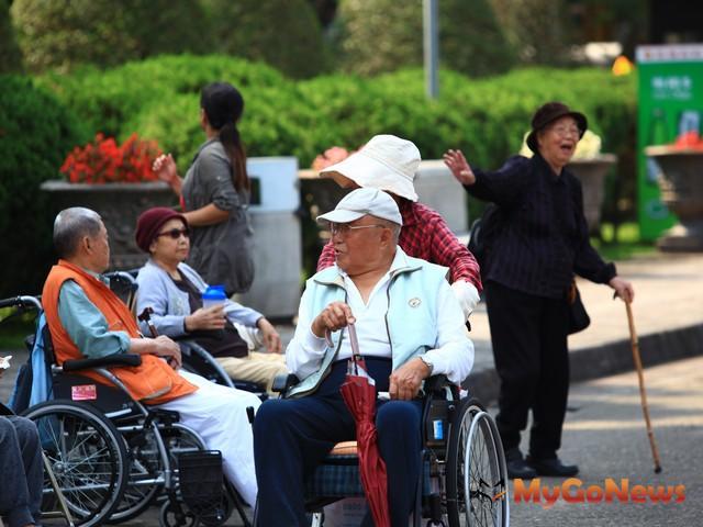 內政部:國人平均壽命80.4歲,再創新高