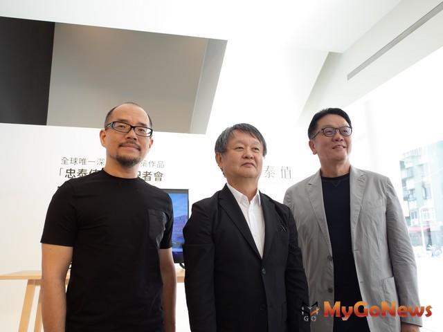 負責銷售的傳真實業董事長王明成(右)表示,北市破百萬小宅銷況熱,「忠泰值」傳喜來登常客爆買