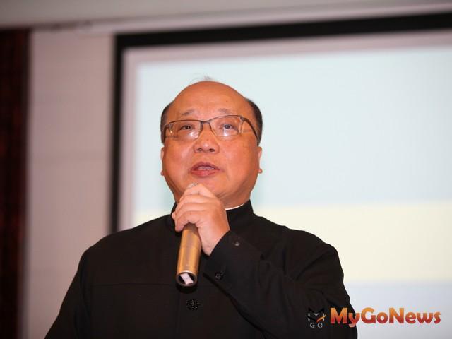 台中市長胡志強表示,「低碳不再是政府政策,而是人類共同的依歸」。