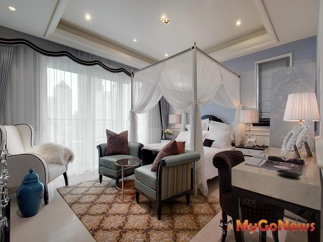 黃書恆設計的一高檔住宅主臥室,甚受女主人喜愛。(圖:玄武設計)