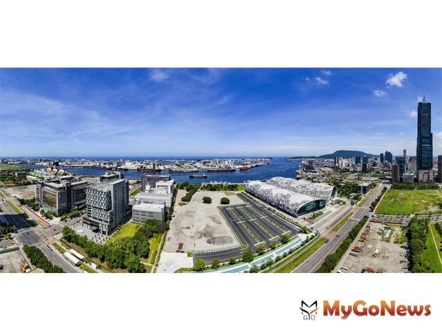 國城建設進軍高雄重大公共建設最多的區段亞洲新灣區,推出超豪宅「定潮」,成為世界認識高雄的新地標(圖:國城建設)