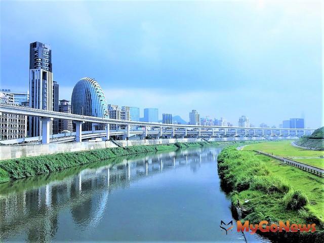 「砳建築」為國際名建築團隊AEDAS設計,取得LEED金級綠建築,耐震6級