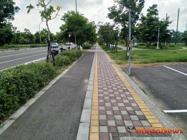 王家貞議員關心南台南開發案,地政局立場一致為後續工程品質把關(圖:台南市政府)