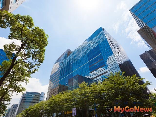 公司搶進駐內湖、南港,億級商用不動產交易旺